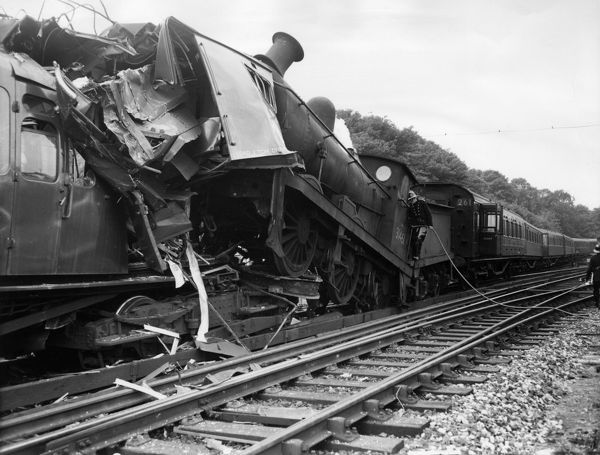 Train collision and derailment at Maze Hill Station, SE London, 4 July 1958. Close-up of the point of impact