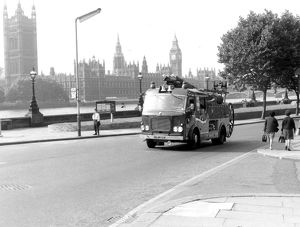 GLC-LFB Lambeth's pump escape on the road
