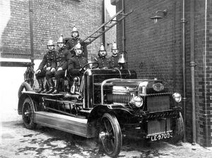 LCC-LFB Dennis motorised Hatfield fire engine