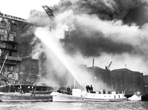 LCC-LFB fireboat Massey Shaw in action