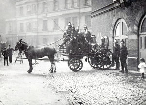 LCC- MFB horse drawn steamer at Westminster