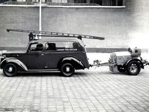 LFB wartime emergency appliance and trailer pump, WW2
